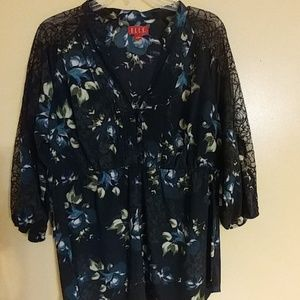 Fall ELLE top w/ Lace Sleeves! L